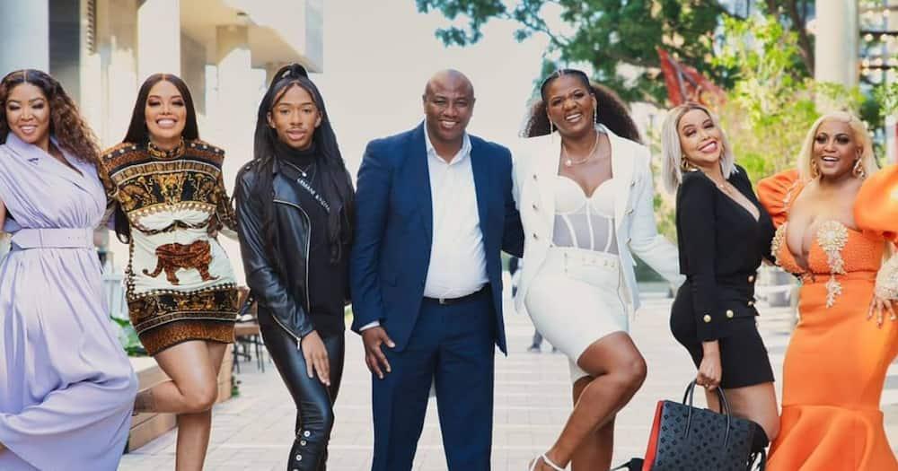 Mnakwethu, polygamy, entertainment