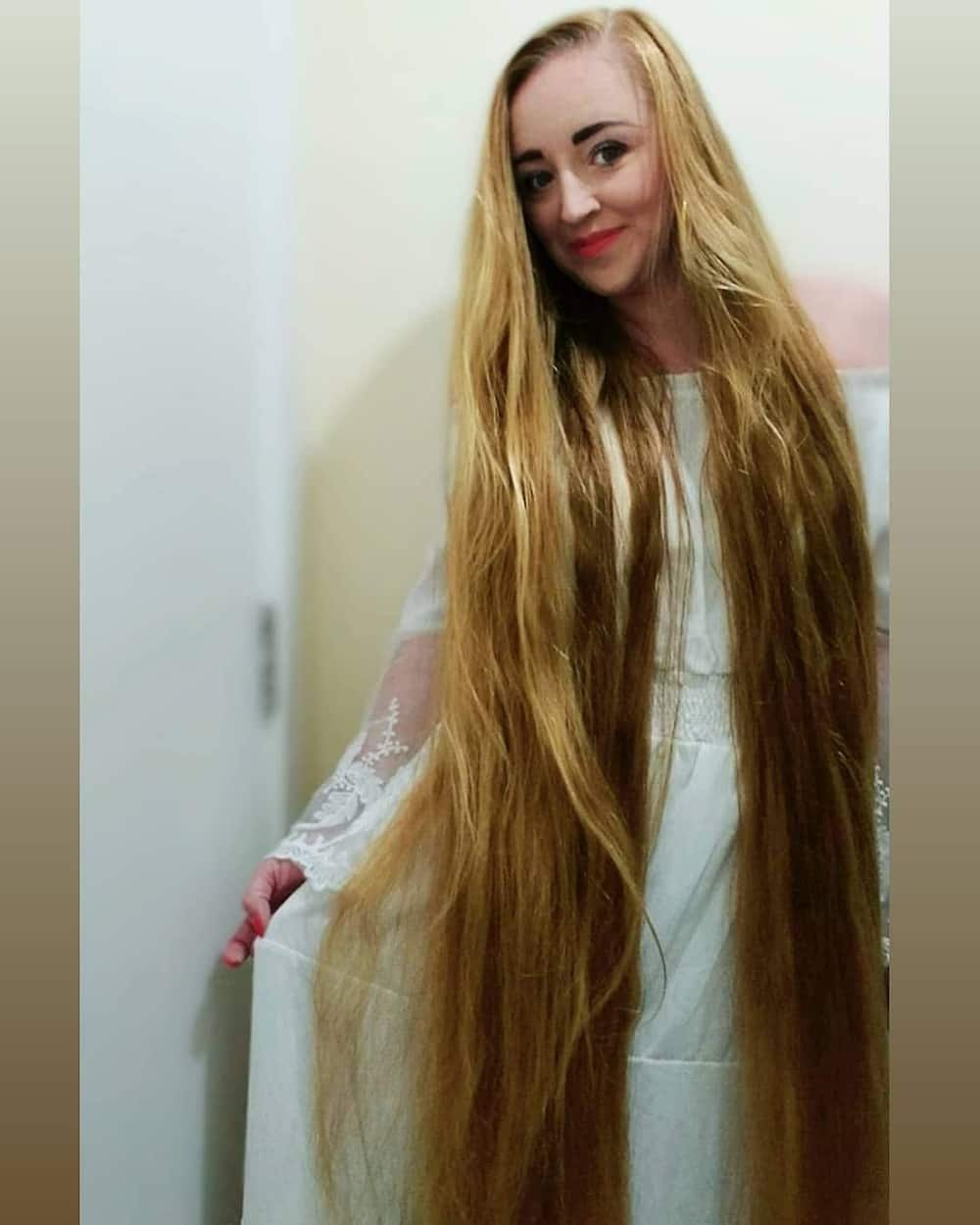 Meet real-life Rapunzel who hasn't been to the hairdressers in 5 years (photos)