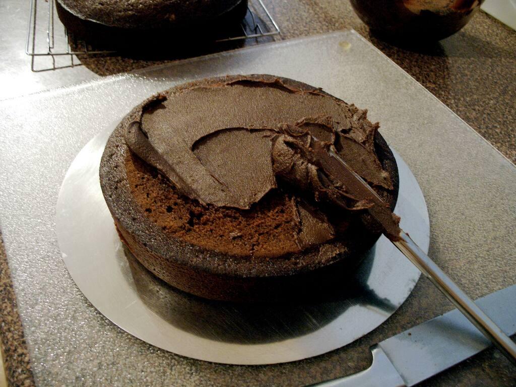 How to make fudge cake