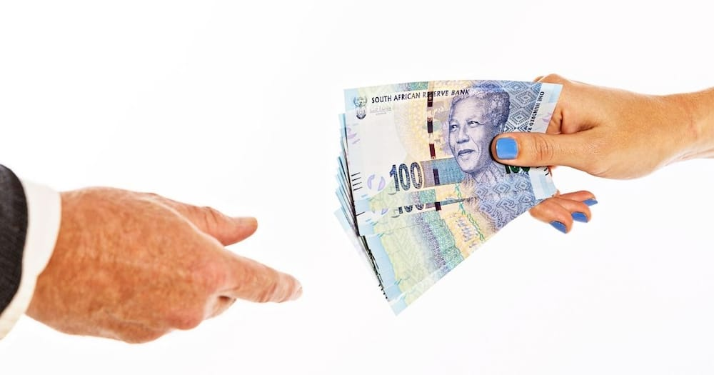 Business: Goup of wealthy SA citizens targeted by SARS