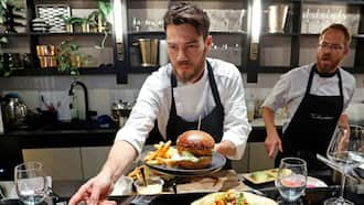 SuperMeat: Israeli restaurant cooks up tasty lab-grown meat products