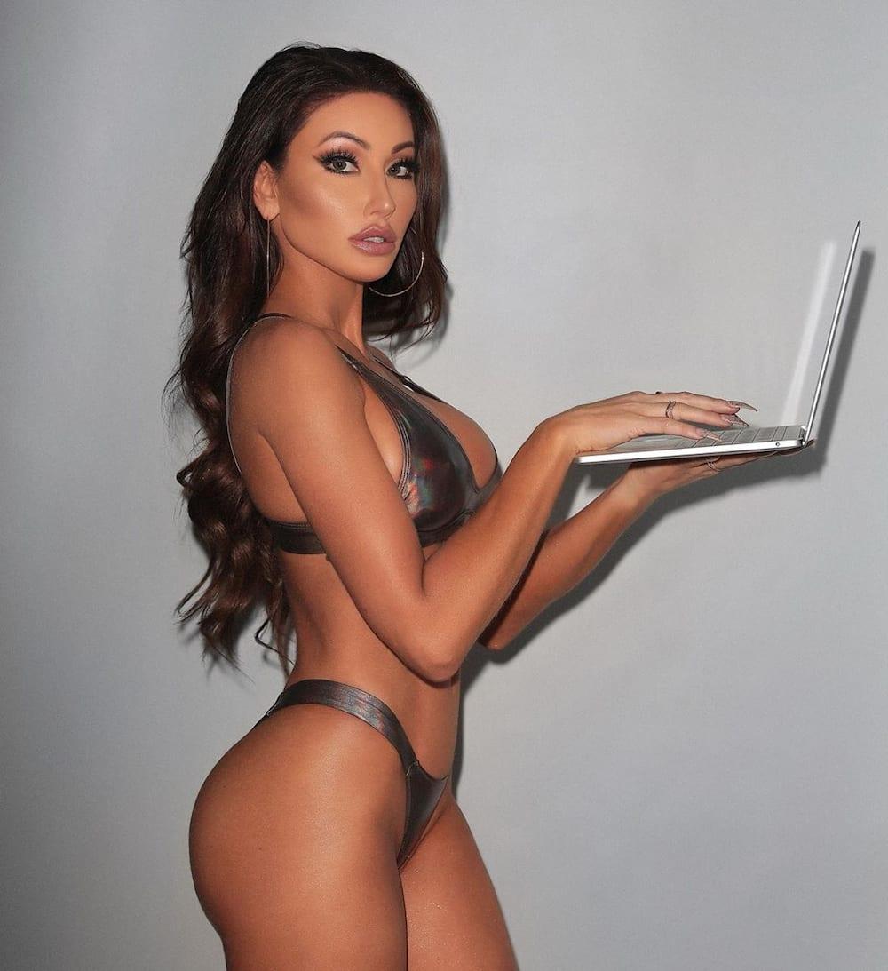 Essence atkins sexy pics