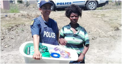 Kind cops donate food and clothes to Eastern Cape mom in need