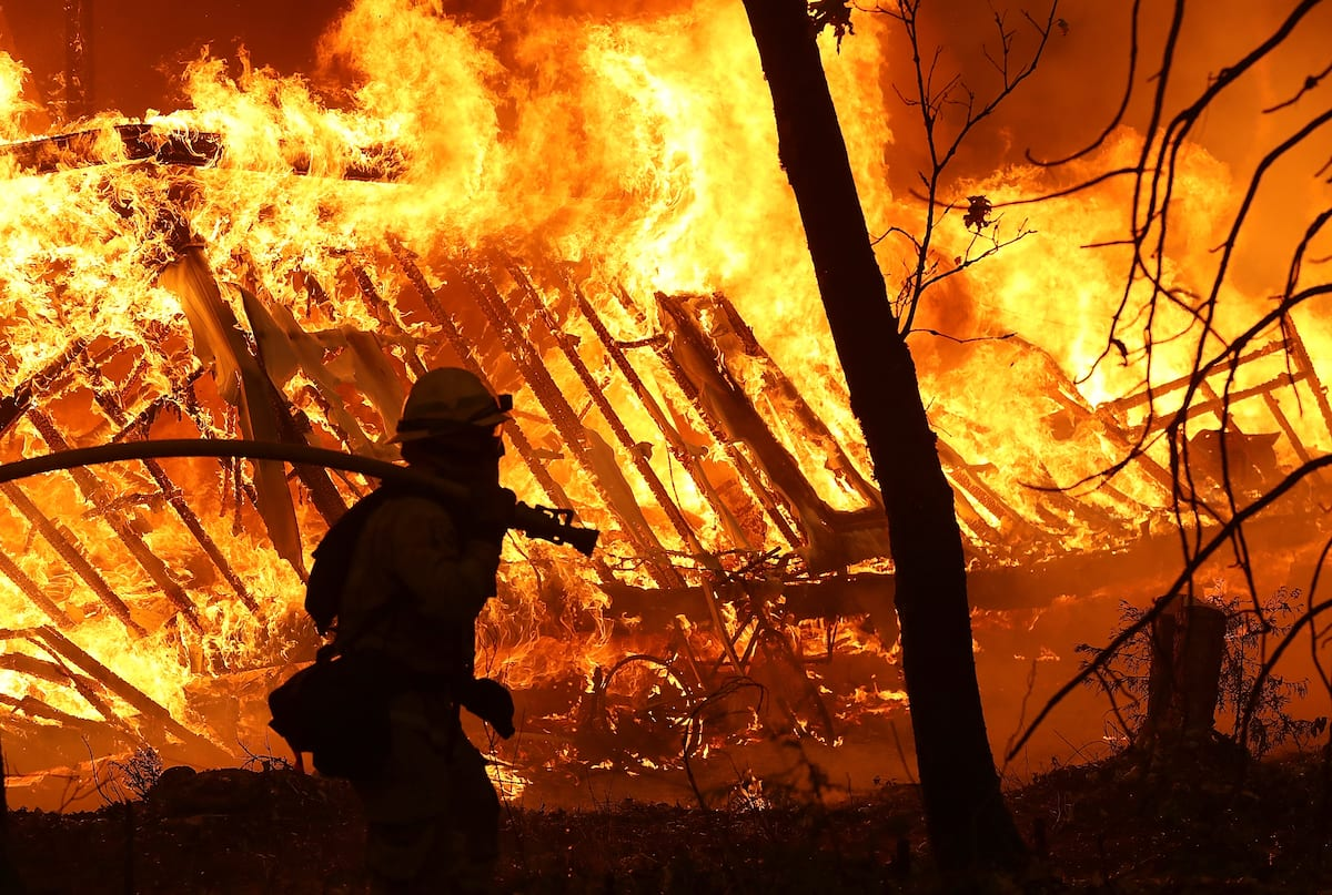 UPDATE: Big Island firefighters still battling brush fire