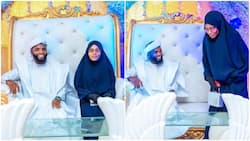 Beautiful photos showing Muslim wedding ceremony with cute cake & bride in hijab go viral