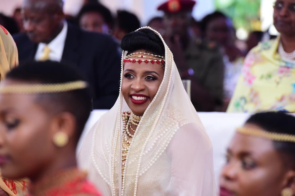 Andile Ramaphosa wife