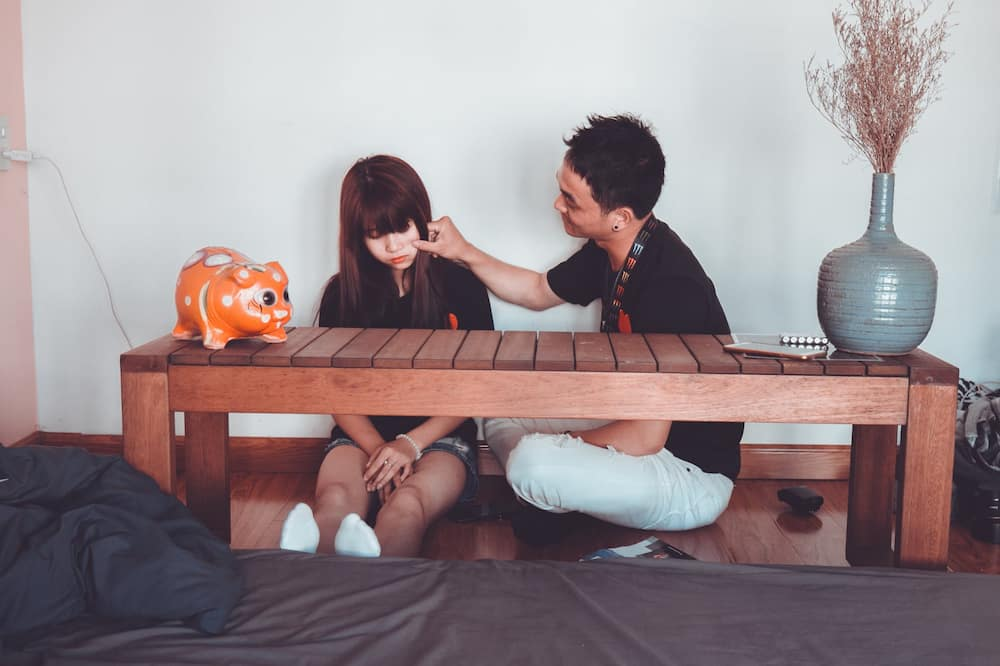 7 Signs to seek for marriage counseling