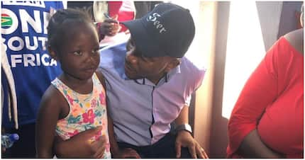 Mmusi Maimane shares snap with grade 1 learner but sparks criticism