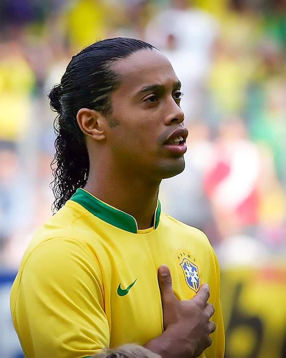 Ronaldinho age, family, career, scandals, awards, net worth, profile
