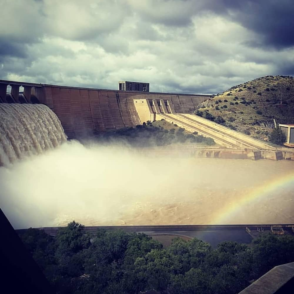 water levels of dams in south africa
