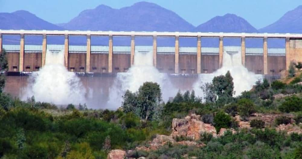 Western Cape dam overflows for the 1st time in almost 10 years