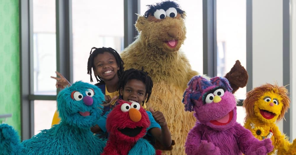 Moshe from 'Takalani Sesame' is unmasked and Mzansi can't deal with it