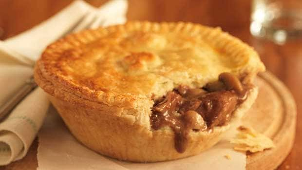 How to make steak and kidney pie using easy recipes in ...