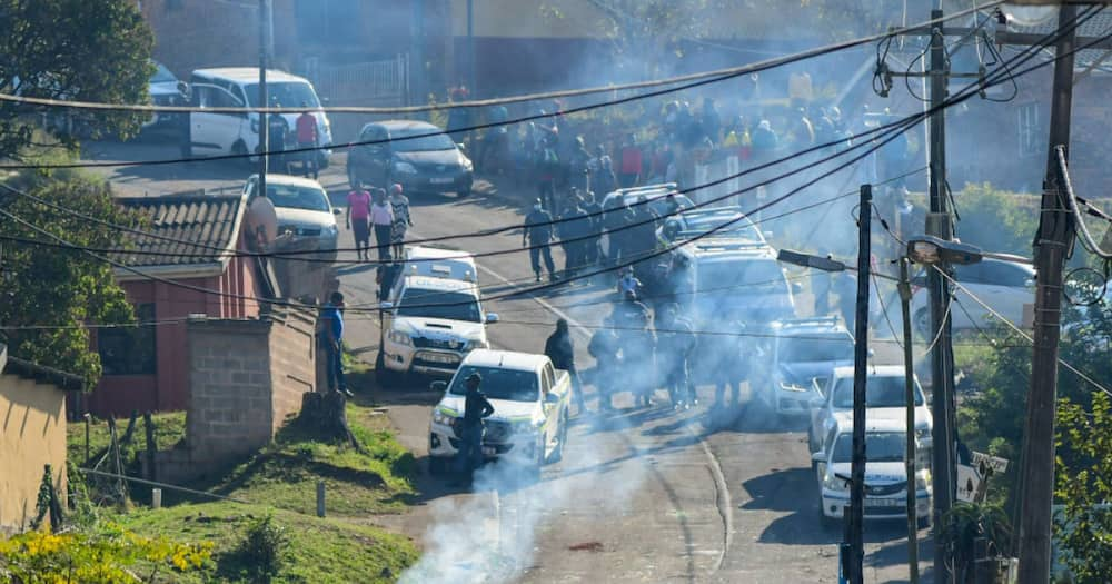 Anti-Zuma Imprisonment, Protests, KwaZulu-Natal, KZN, Jacob Zuma, Estcourt Correctional Services Cente, Pietermaritzburg High Court, Constitutional Court