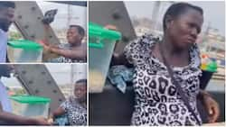 Man gifts pregnant hawker R3 450, asks her to never hawk again, refuses to give details