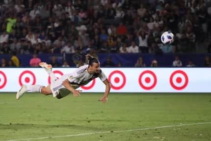 Jose Mourinho considering signing Zlatan Ibrahimovic in January 2019
