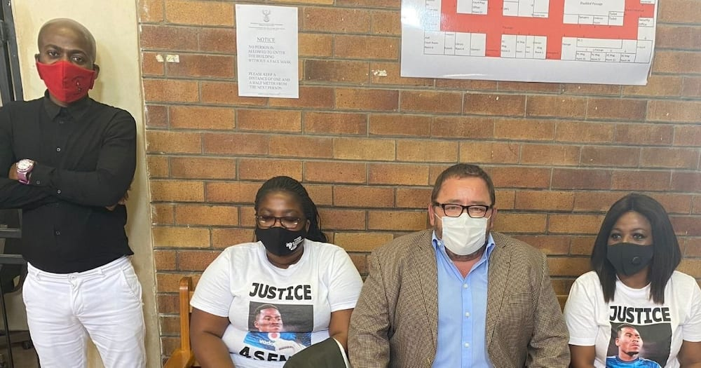 Senzo Meyiwa: Mzansi reacts as murder accused appears in court