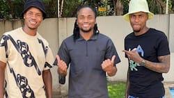 """""""3 Superstars"""": Siphiwe Tshabalala drops pic chilling with Themba Zwane & Thembinkosi Lorch"""