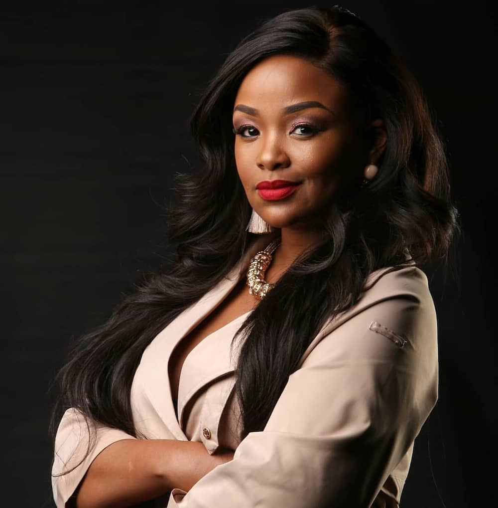Nonhle Thema biography: age, husband, wedding, parents, school, Tweets and Instagram