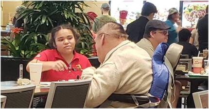Kind waitress feeds man with disability and warms hearts of thousands
