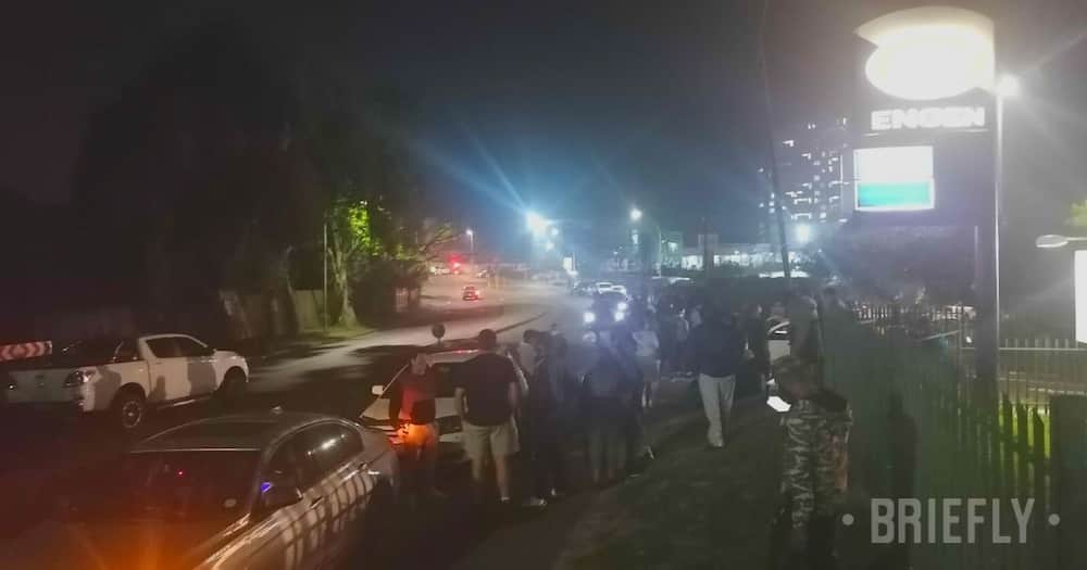 Durban Community, work together, prevent protestors, from entering the suburb