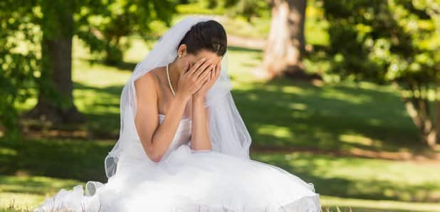 Bride reads cheating fiance's steamy affair texts instead of her vows