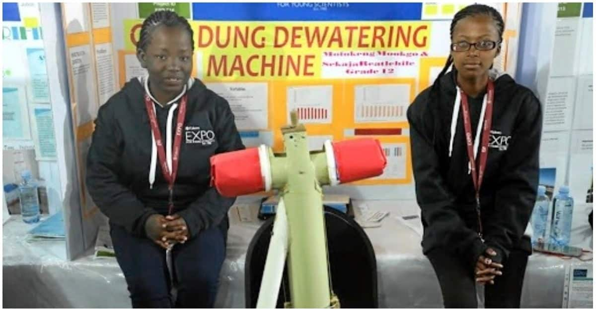 Mookgo Mofokeng and Reatlehile Sekaja at the Eskom Expo for Young Scientists. Source: SowetanLIVE/Thulani Mbele