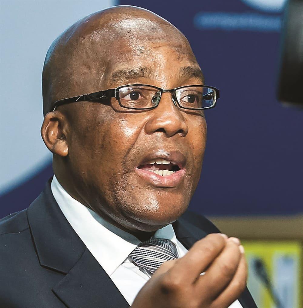 Aaron Motsoaledi profile