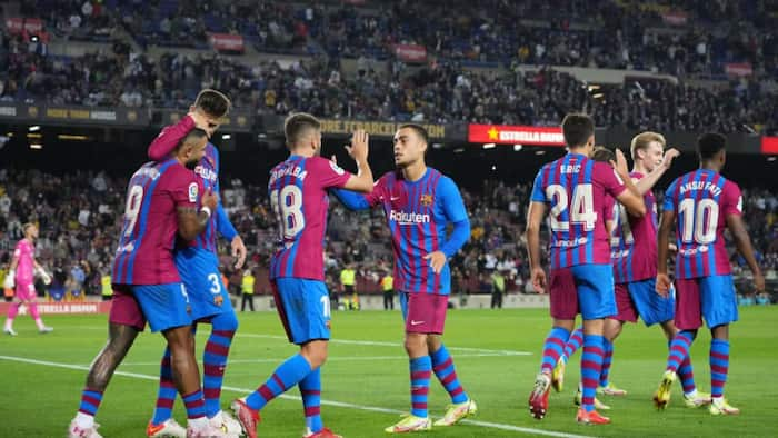 Barcelona end 2 game losing streak after coming from behind to beat Valencia at Camp Nou