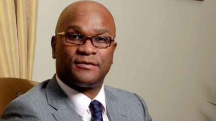 "Mzansi drags Nathi Mthethwa for attending Shona Ferguson's service: ""Minister of funerals"""