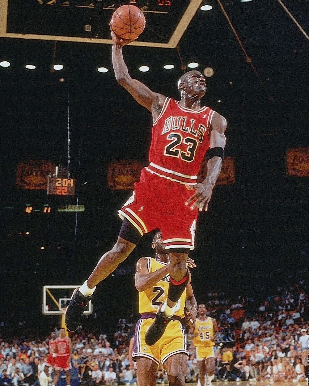 10 richest NBA players of all time