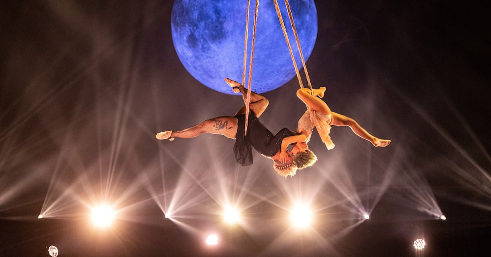 Pink and daughter Willow perform jaw-dropping aerial performance at BBMAs