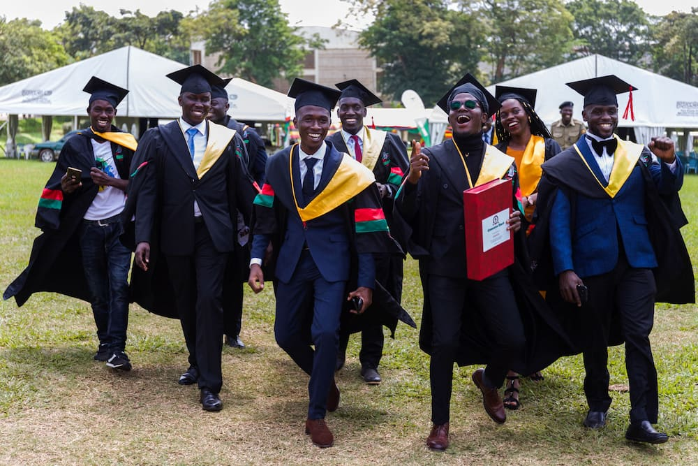 University application dates for 2022