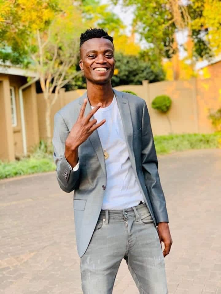 how old is king monada