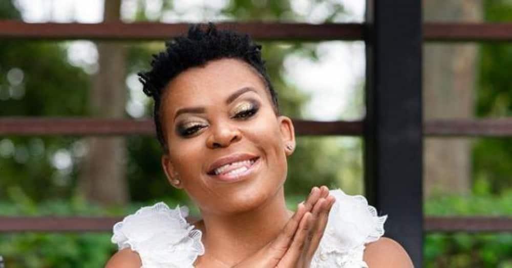 Zodwa Wabantu shows off new hairstyle, Mzansi notices grey strands
