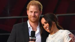 Harry & Meghan tour NYC together, Prince looks shy during speech about his wife