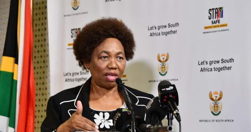 Minister Motshekga: Leaked Matric final exams to be rewritten