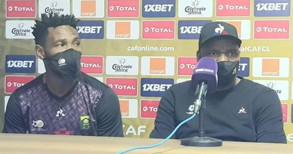 Kaizer Chiefs legend Rudolph Seale has shared his views on coach Molefi Ntseki's appointment. Image: @SAFA.net/Instagram