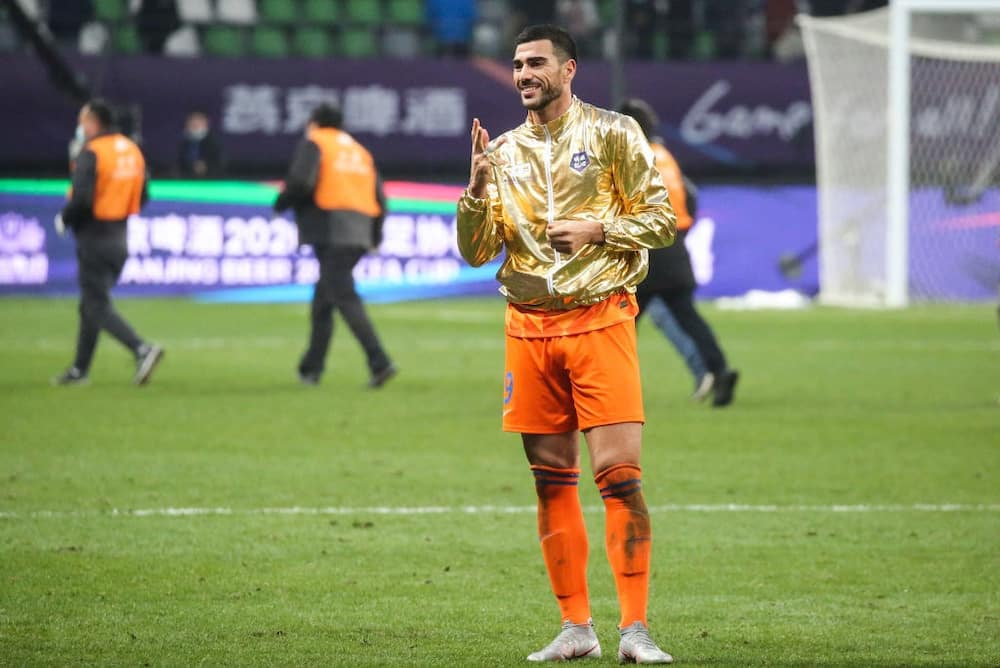 Watch romantic moment Pelle proposed to his stunning girlfriend on helicopter pad in Dubai