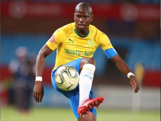 Hlompho Kekana biography: age, measurements, nationality, family, current team, goals, stats, car, house and Instagram