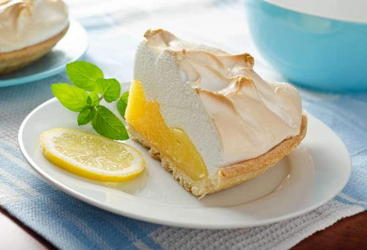 Lemon meringue tert How to make lemon meringue Lemon meringue recipe with condensed milk Lemon meringue pie recipe