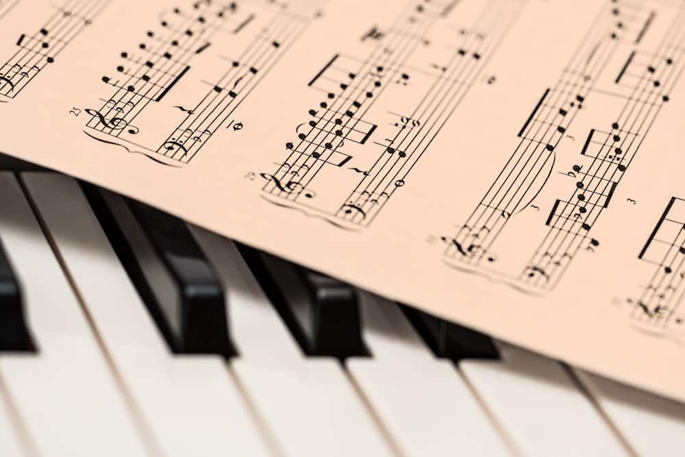 The ultimate wedding songs for the perfect wedding: Top 30 list. Wedding song list printable.