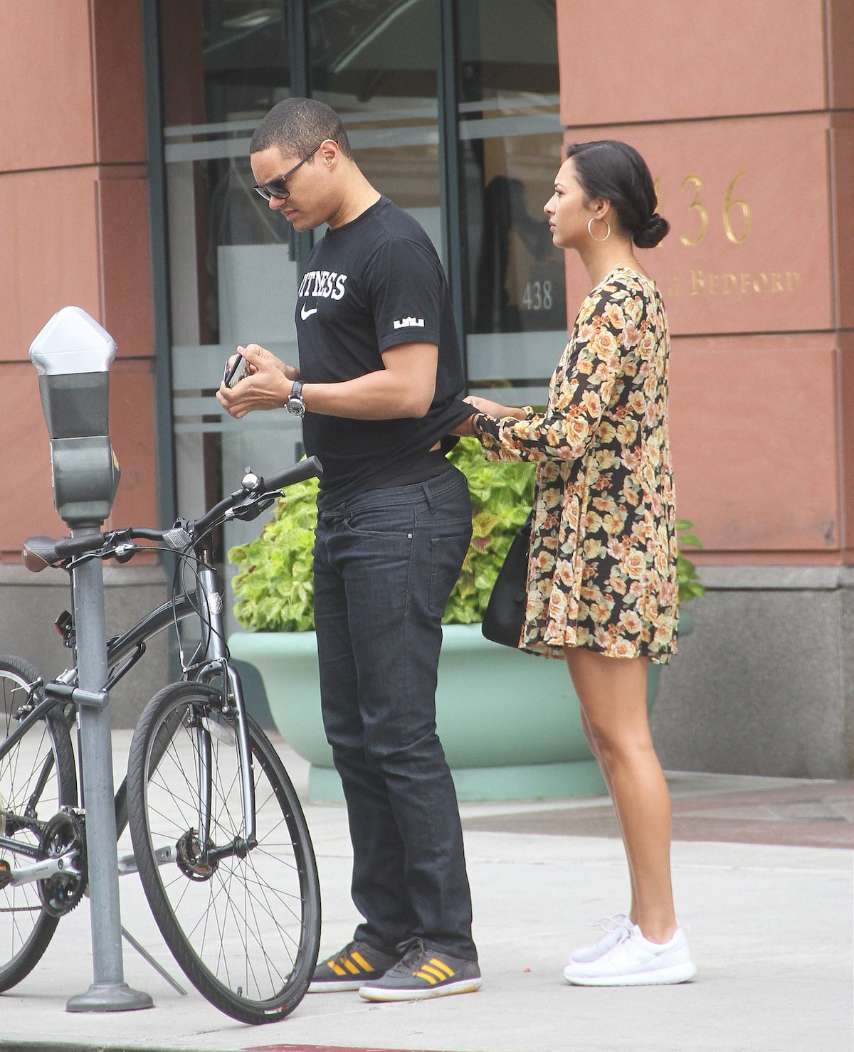 Who is Trevor Noah girlfriend? trevor noah girl friend jordan taylor trevor noah jordan taylor model