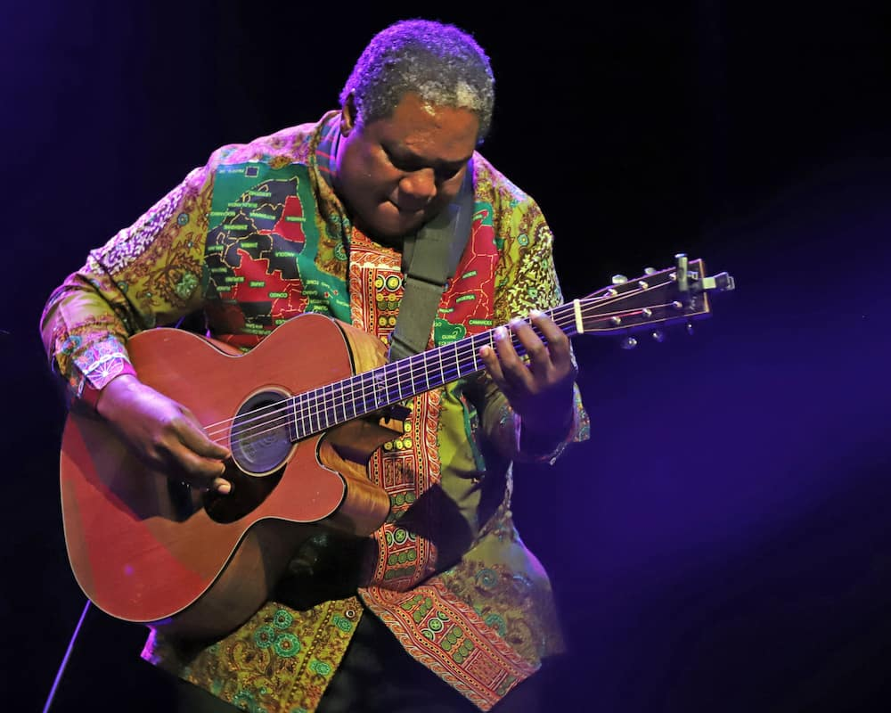 Napsta for All Vusi Mahlasela songs download
