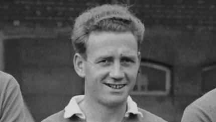Chelsea legend Derek Saunders dies at the age of 90